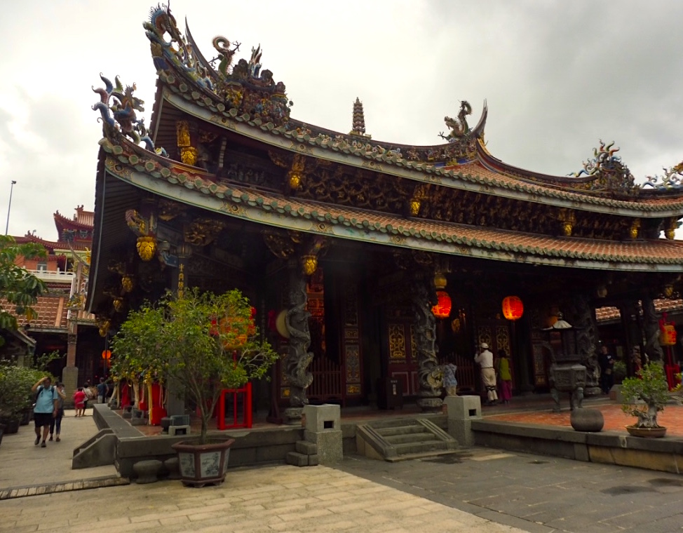 Taipei Bao'an Temple