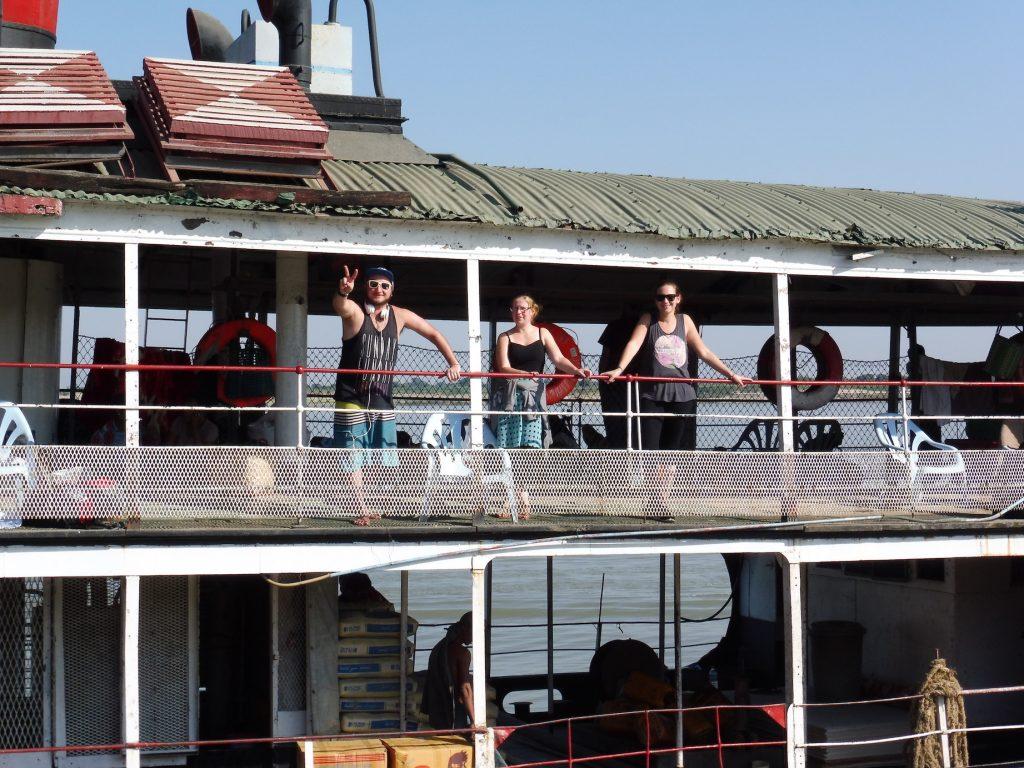 Myanmar. Boat Mandalay-Bagan