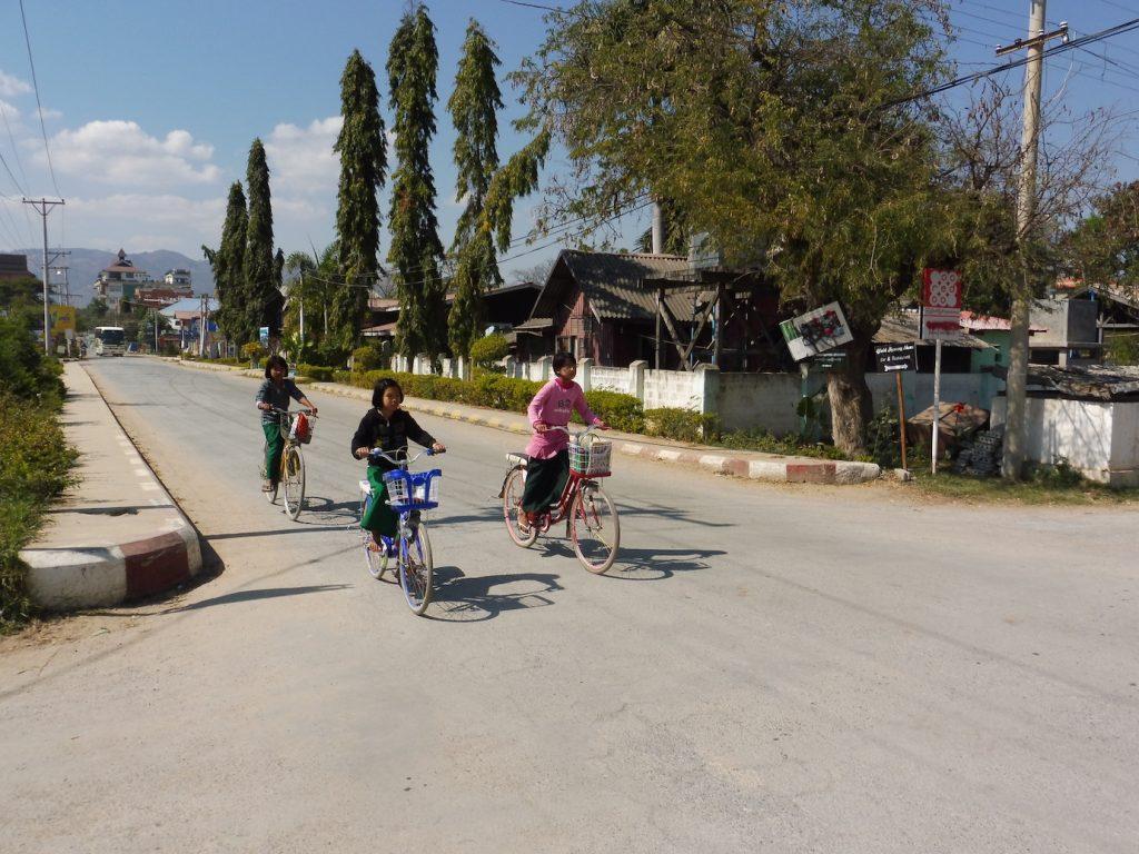 Myanmar. Nyaung Shwe