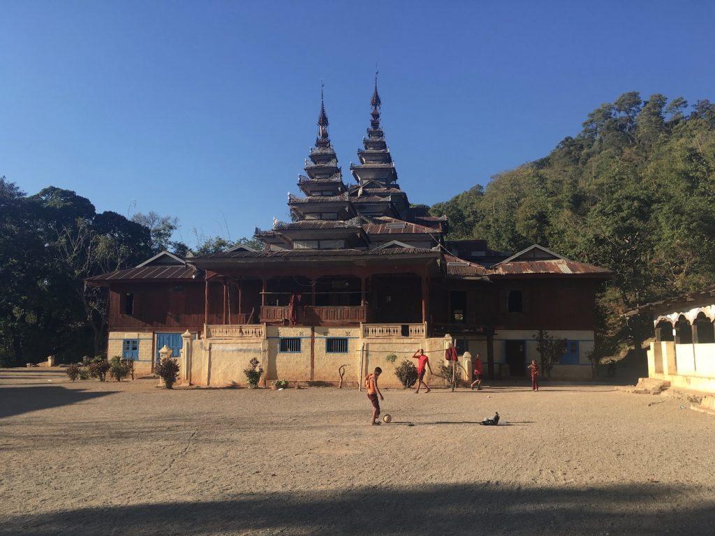 Myanmar. Trekking